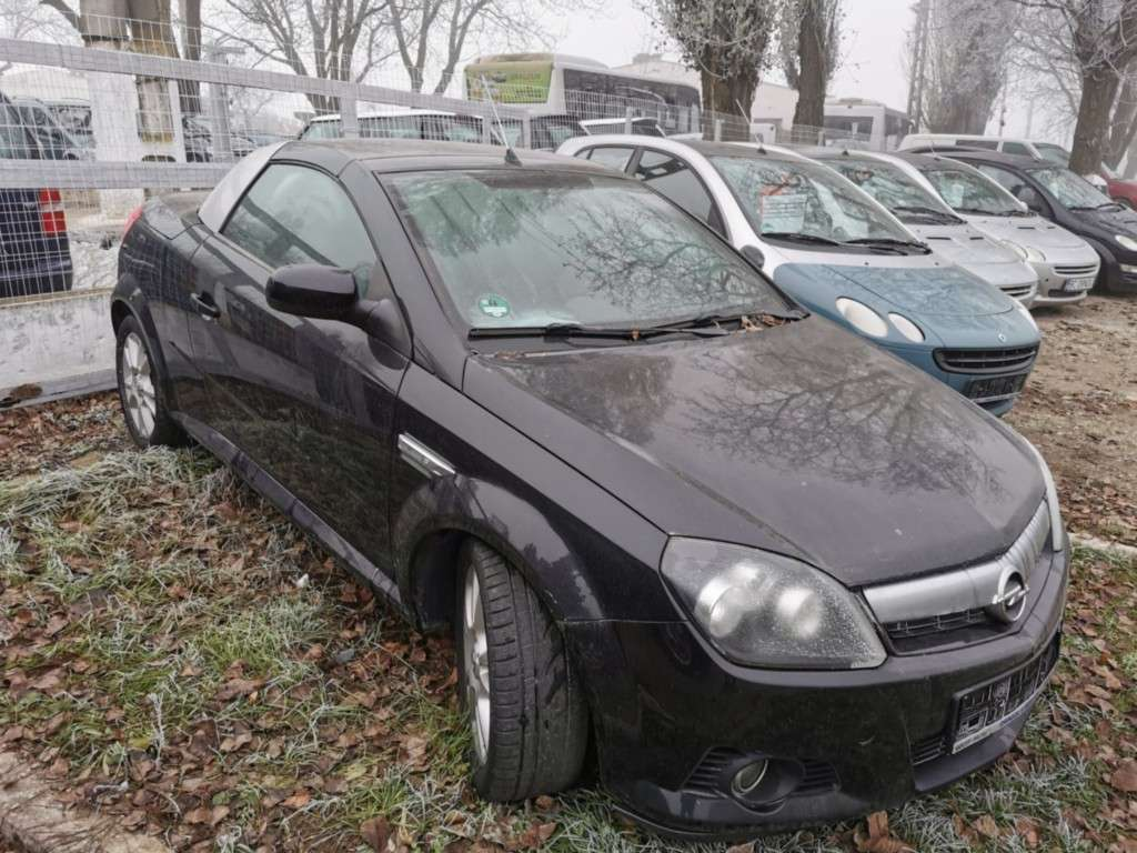 Opel Tigra Din 2005 - 172,000 Km