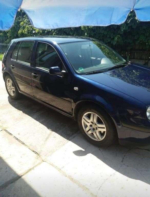 VW Golf Din 2002 - 250,000 Km