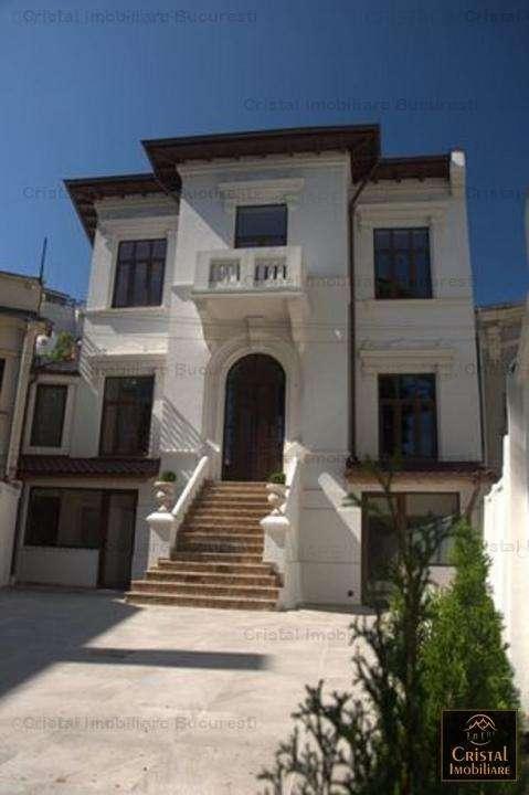Casa Vila 7 Camere Piata Romana