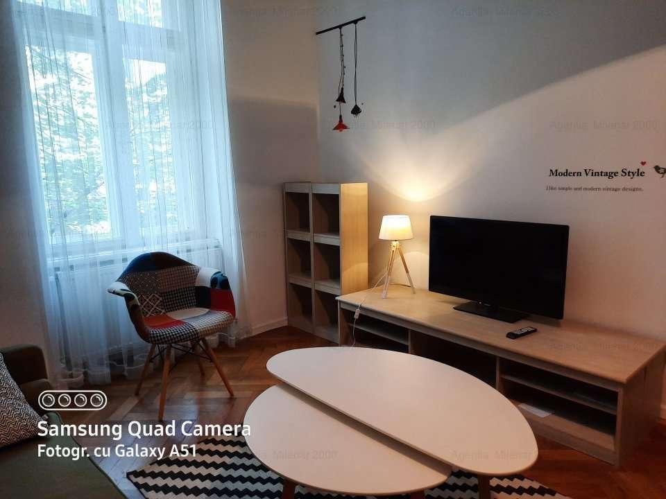 Situat Pe Cel Mai Frumos Bulevard-3 August-etaj 1-3 Minute De Restaurant Merlot