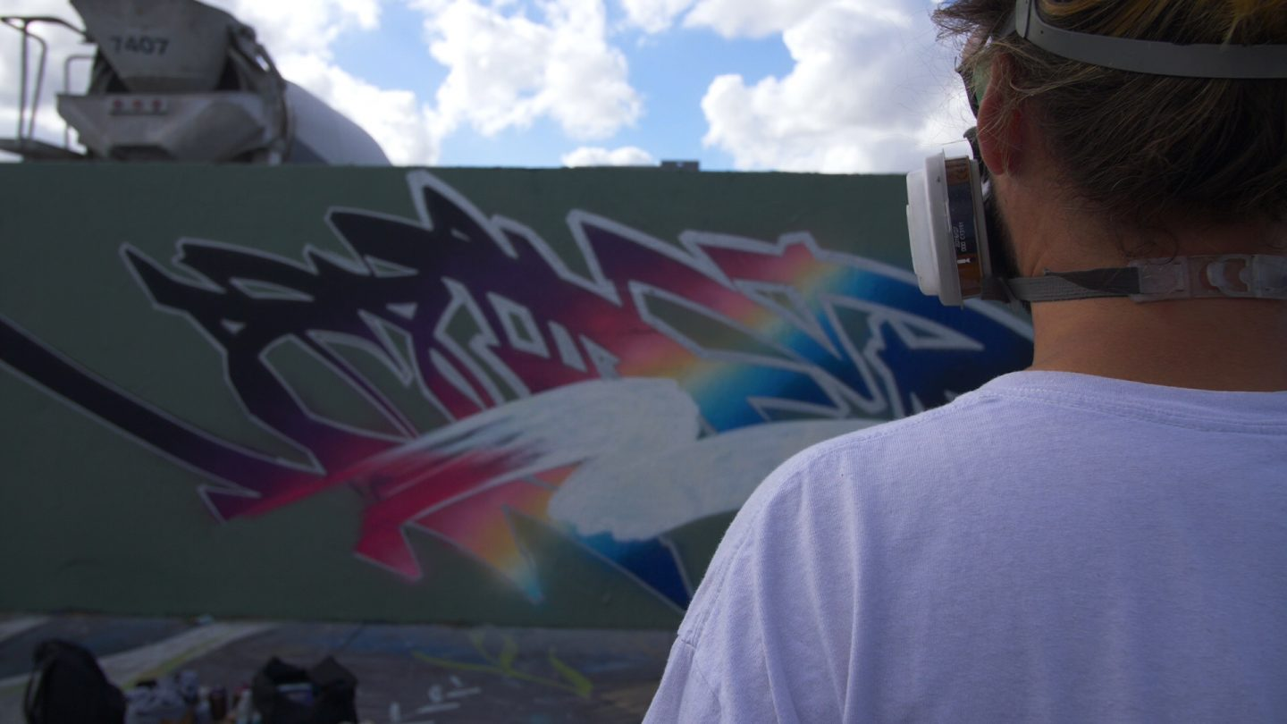 Graffiti Video: Voyder