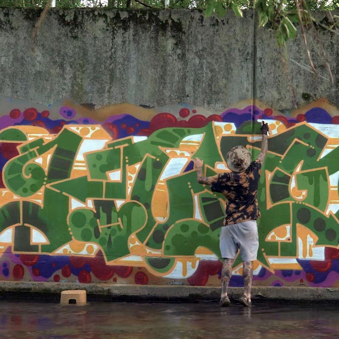 Graffiti Video: HUNGR