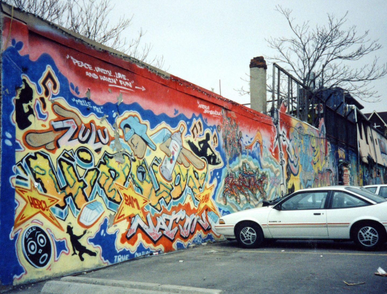 Toronto: 90's Style