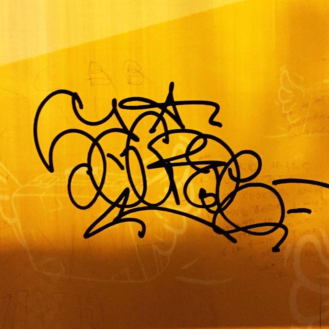 Graffiti Video: GROG INK HEADS #4 - Sacroe