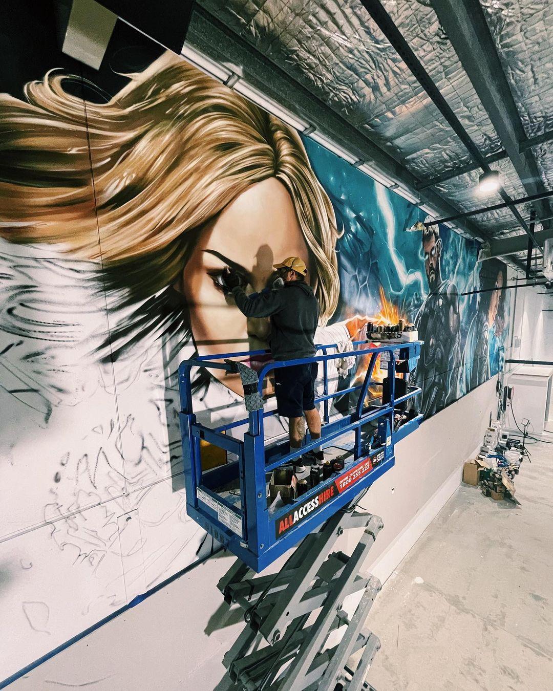Graffiti Video: Sofles paints Marvel Hero
