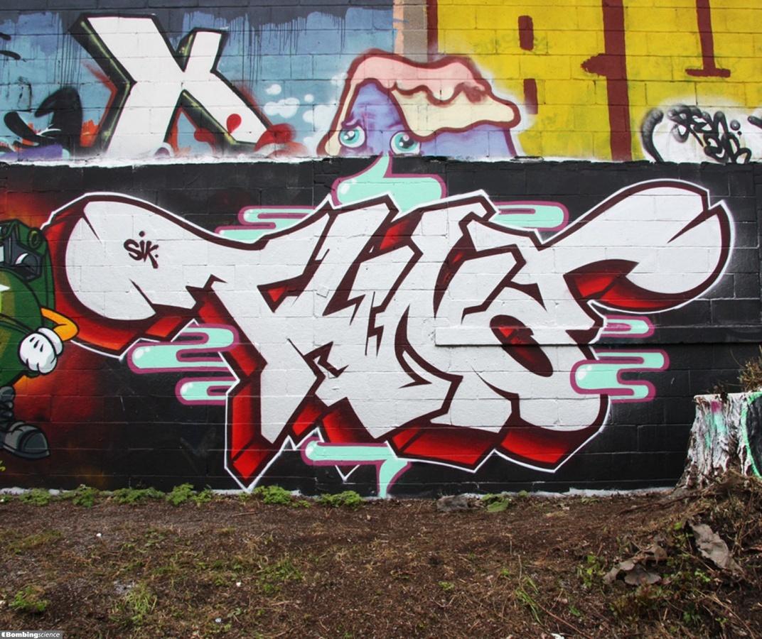 Tuna / Montreal / Walls