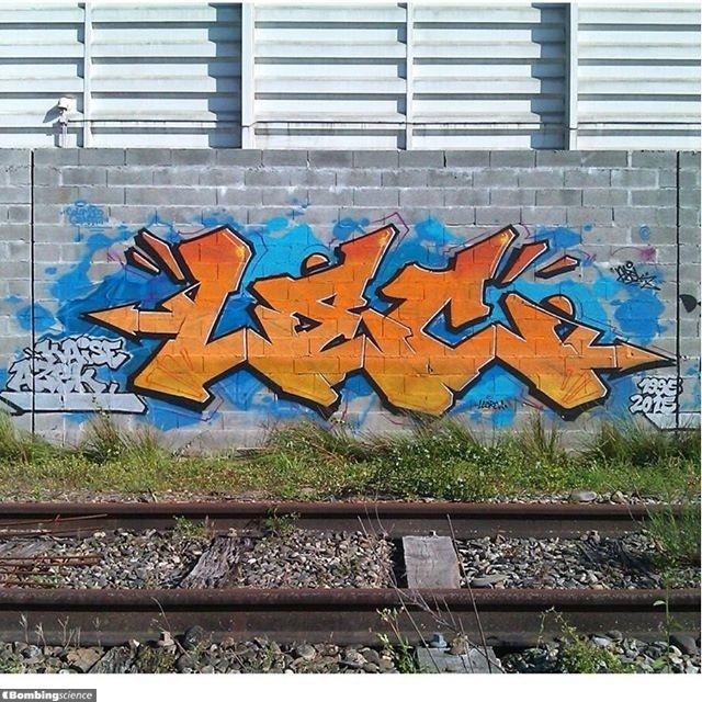 Lec / Toulouse / Walls