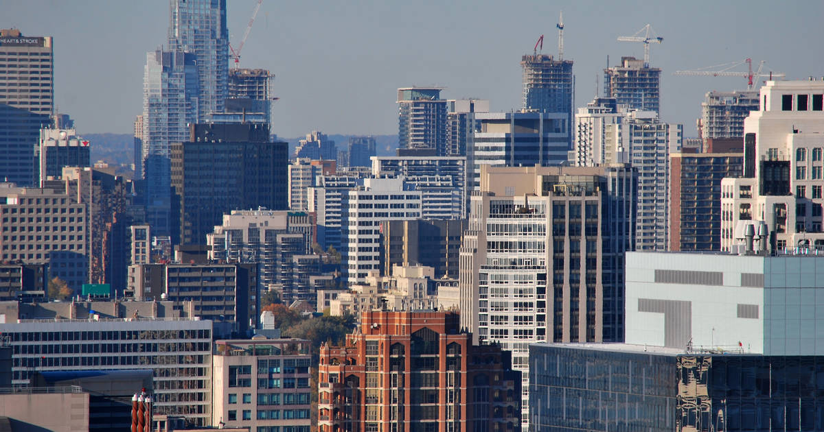 Average price of two bedroom apartment in Toronto hits $2,300