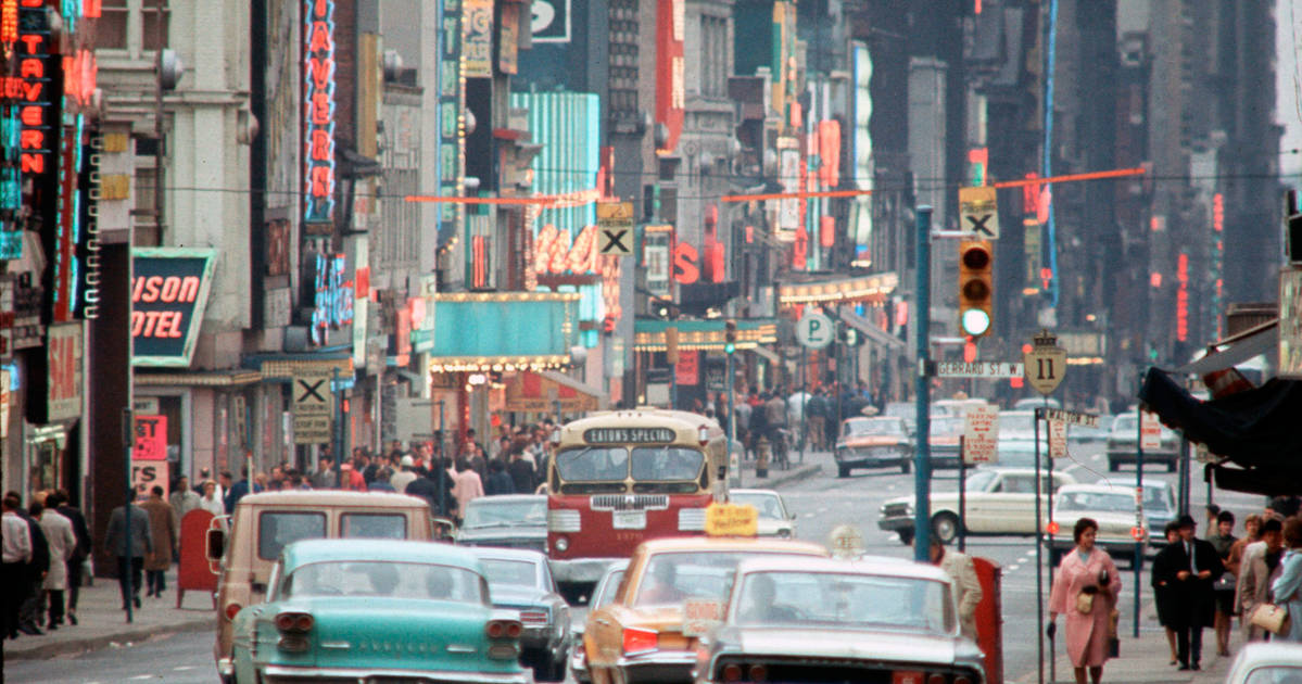 This is what Toronto streets looked like in the 1960s