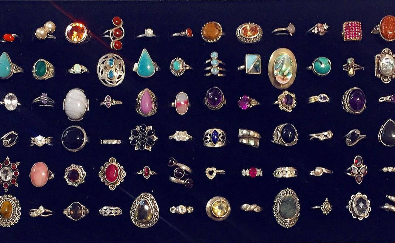 10 Stores To Buy Vintage Jewelry In Toronto