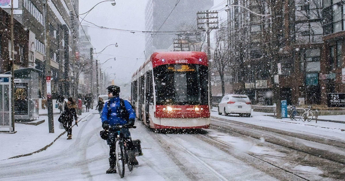カナダ環境省は、吹雪に先立ってトロントに特別な天気予報を発表