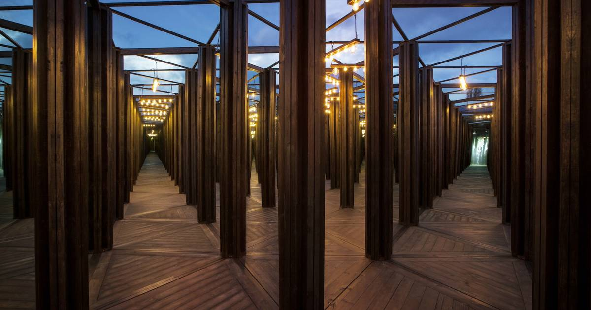 Toronto Is Getting A Massive Mirror Maze
