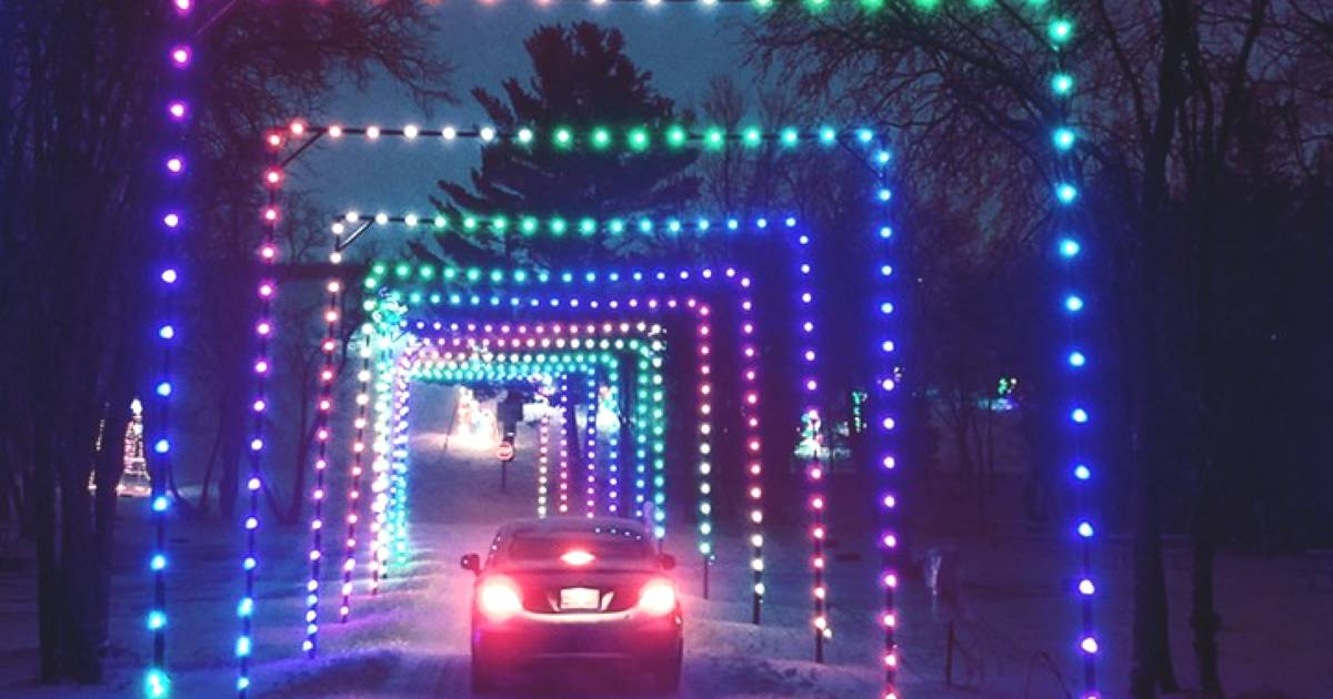 There's a drive-thru holiday lights tunnel near Toronto