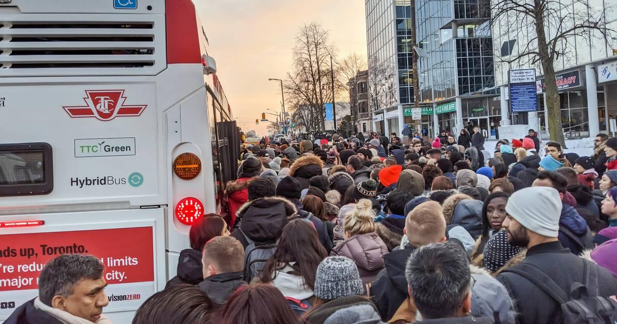 Massive TTC subway shutdown after train derailment sparks commuter chaos