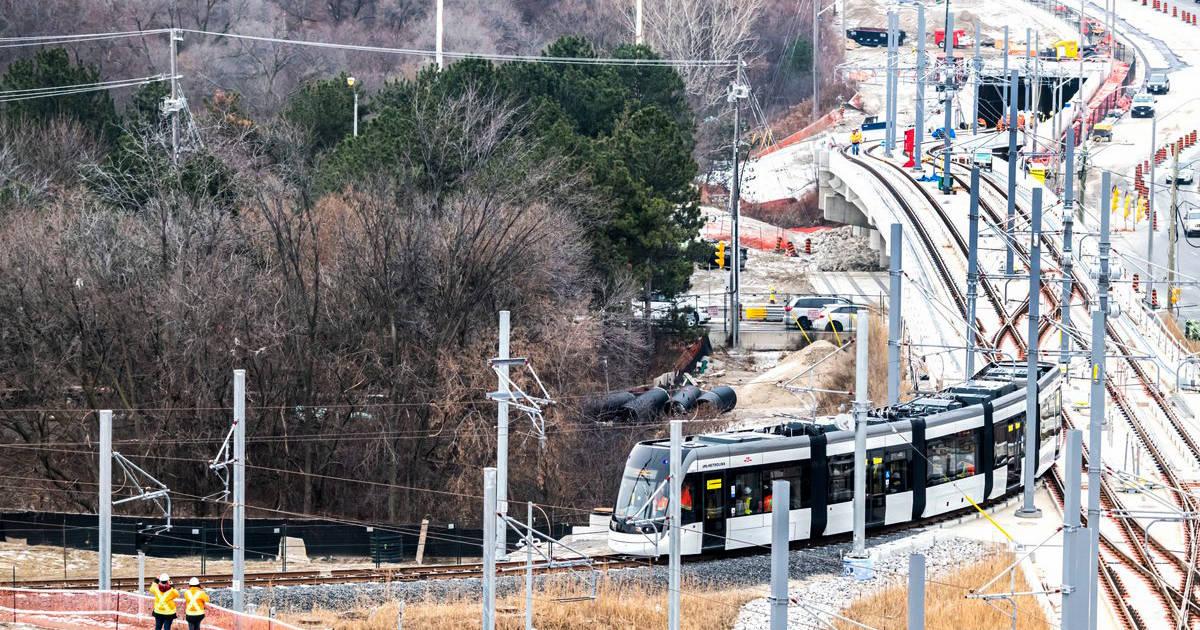 エグリントンクロスタウンLRTの開業は2022年まで延期