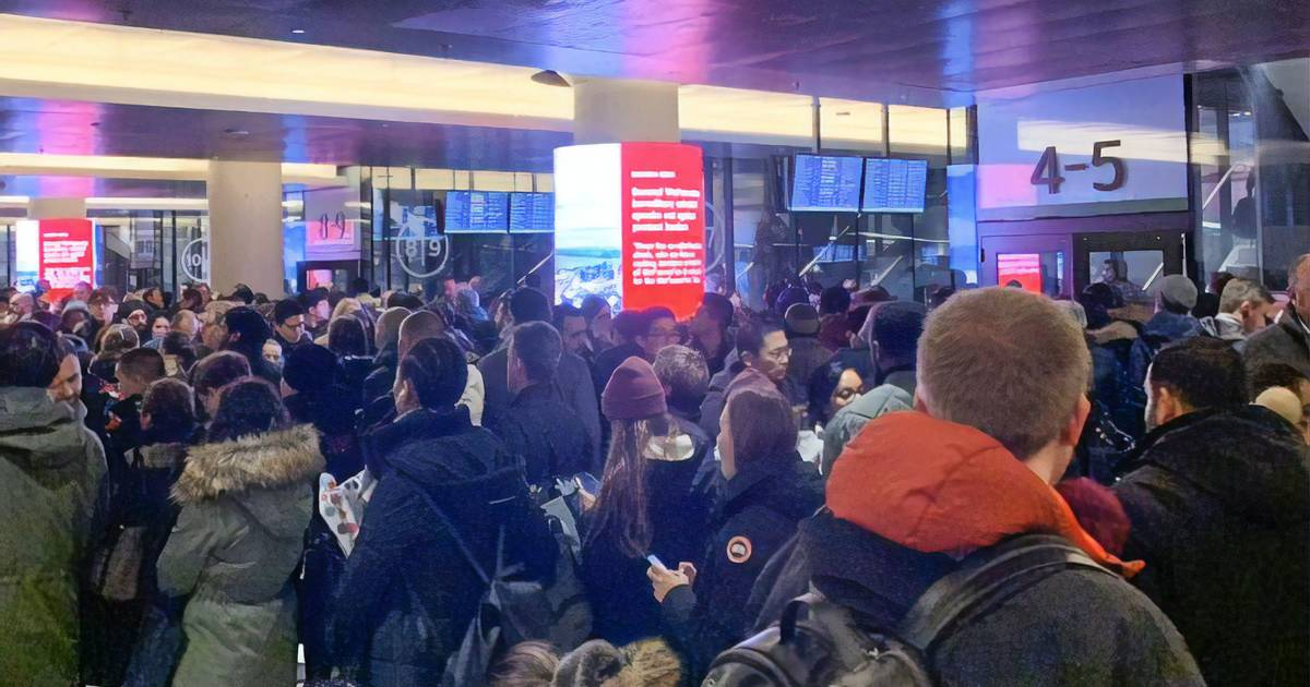 Union Station descends into chaos as more GO trains cancelled