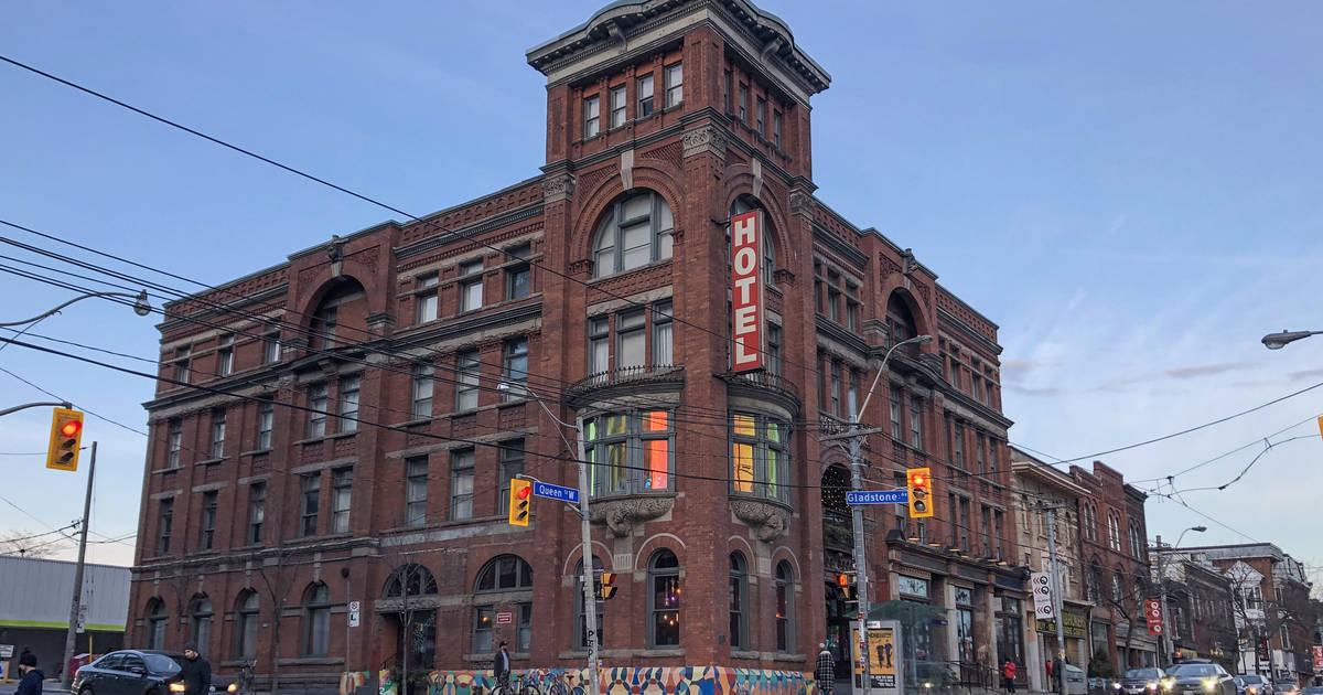 トロントの歴史的なグラッドストーンホテルは開発者に売却されたばかり