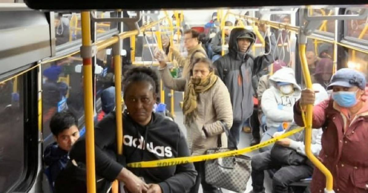 TTC workers' union tells bus operators to limit passengers to 10 at a time