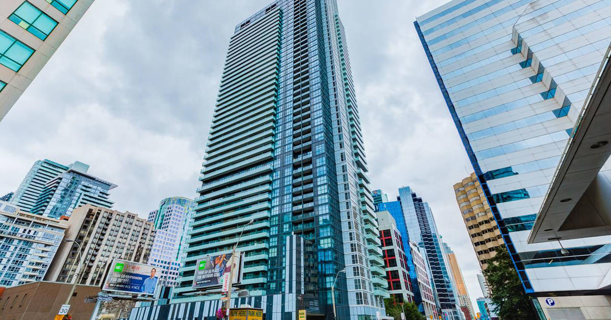 Short-term rentals persist at notorious Toronto condo building despite ban