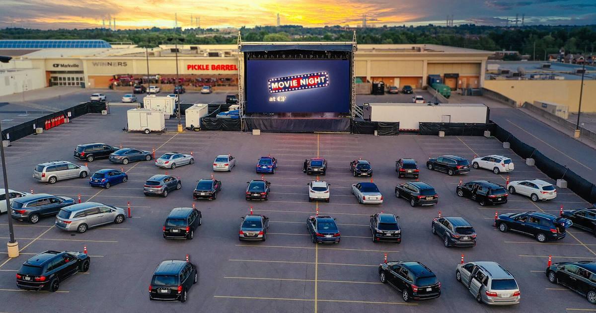 キャデラックフェアビューがモールの駐車場をドライブイン映画館に変える