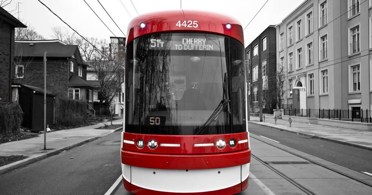トロントの人々は、バスよりも路面電車を好むと言います