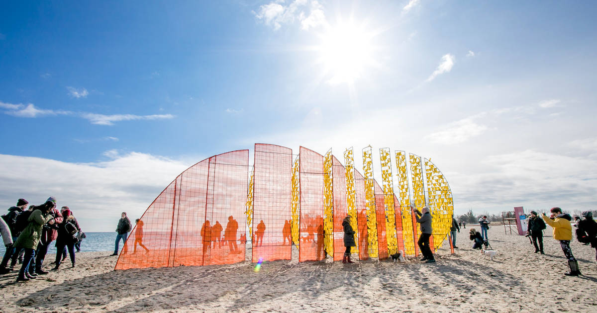 Toronto's most popular beach was just transformed into something completely different