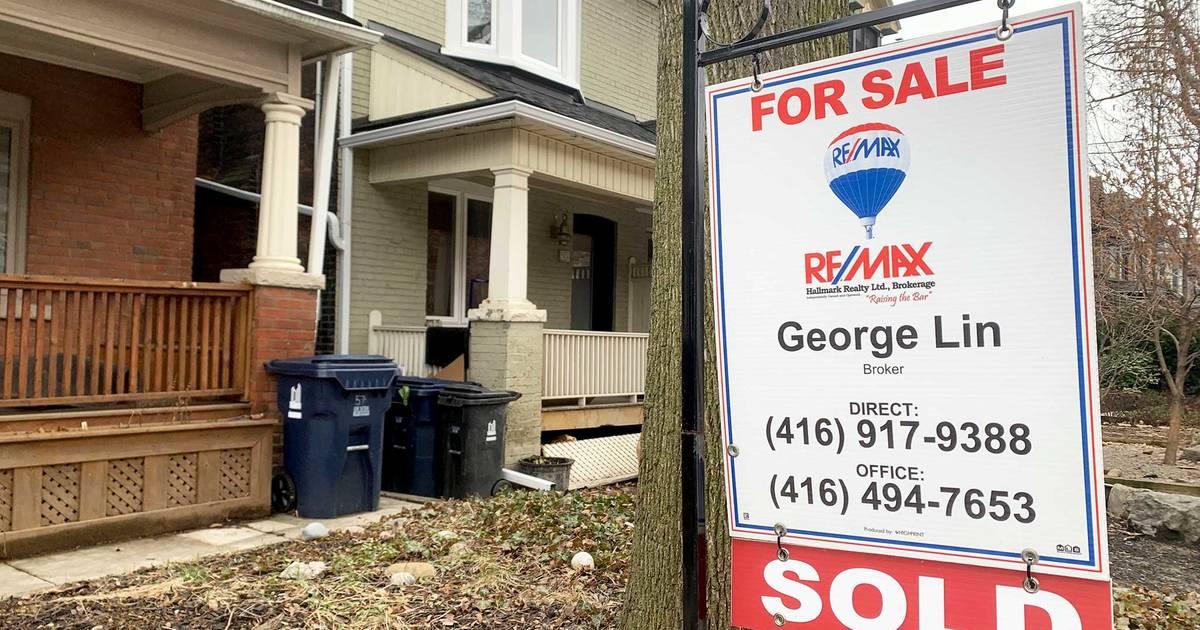 トロントの住宅販売はCOVID-19のために急落している