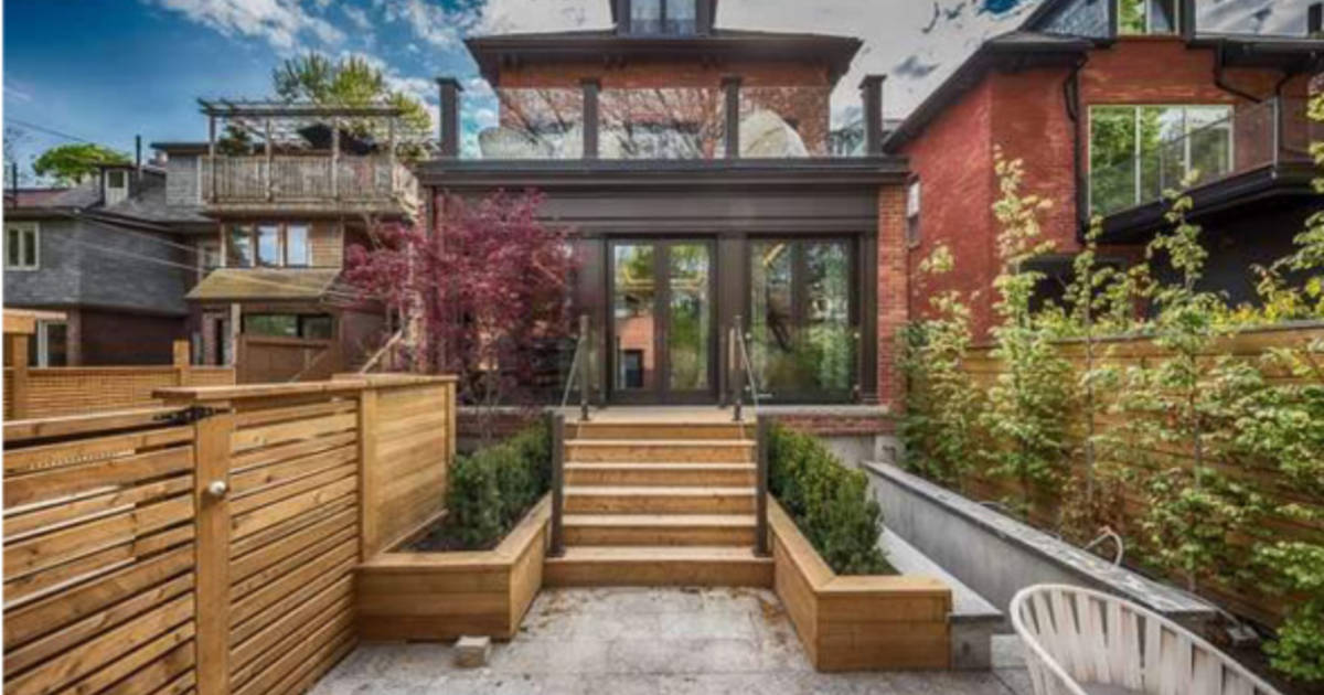 House of the week: 39 Howland Avenue