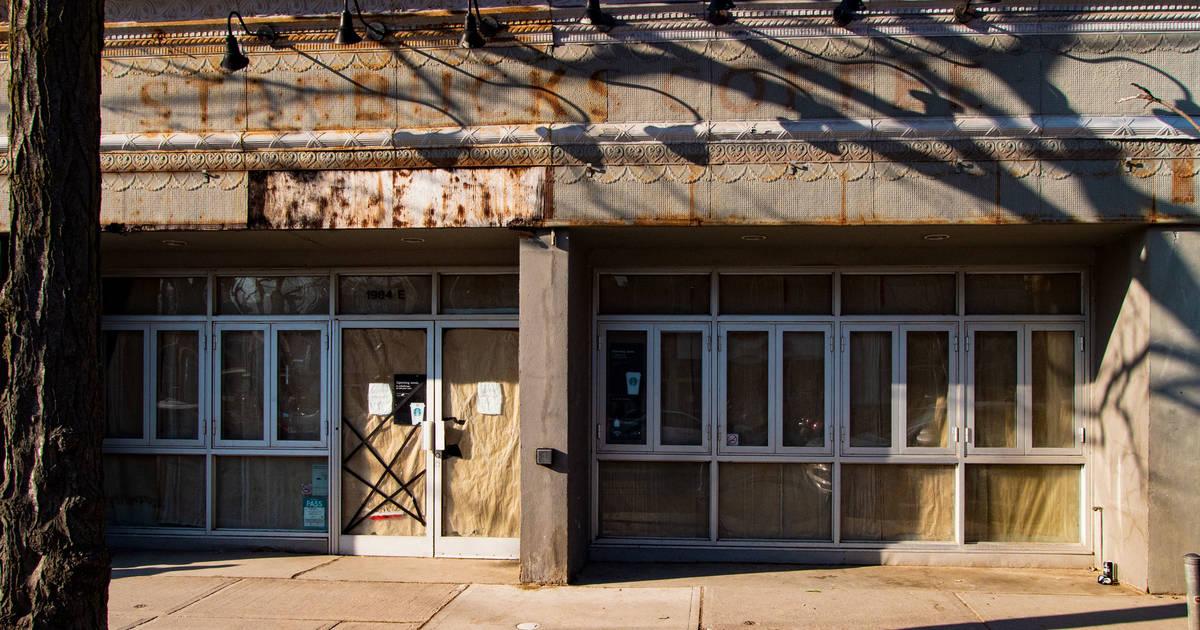 空の店頭のこれらの写真は、トロントでどれだけひどいものになっているのかを示しています