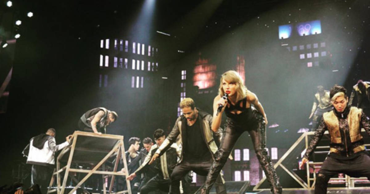 Toronto gets a Taylor Swift dance party