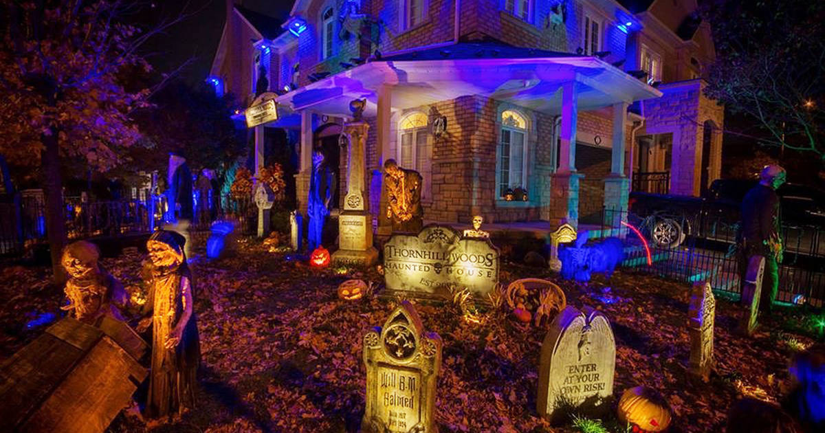 These Toronto homes went totally over-the-top with decorations for