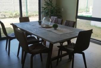 Amplio comedor de casa modelo Ibiza en Calimaya de Villas del campo