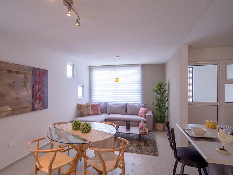 Comedor y sala de casa modelo Olmo PA en Tres Cantos Querétaro