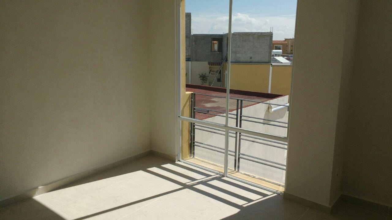 Recamara con excelente iluminación de casa modelo Cartagena