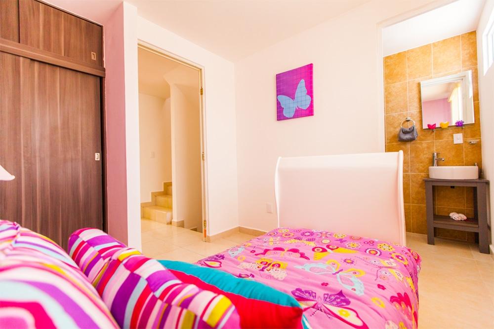 Confortable habitación en casa de tres recamaras modelo Javer B en REsidenza