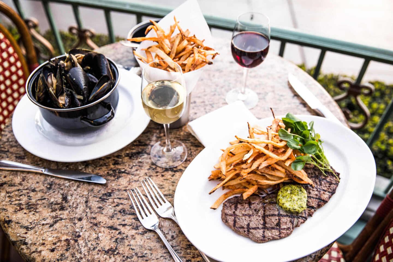 Mon Ami Gabi mussels and steak frites