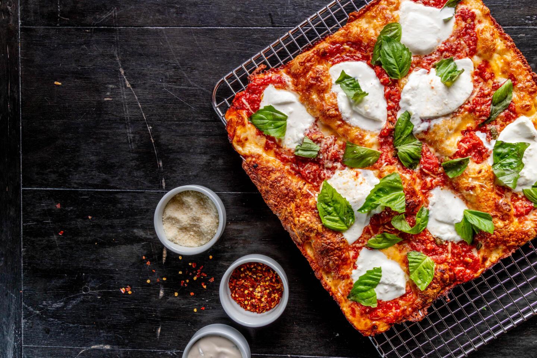 B Square Pizza Mozzerella