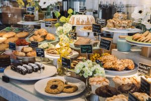Beatrix Pastry Case with Angelfood Muffins