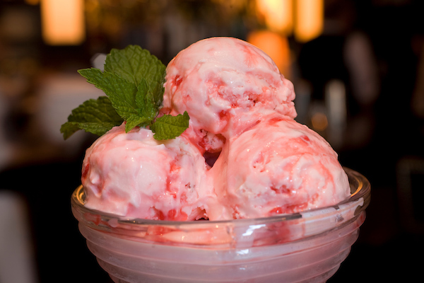 Petterino's Peppermint Ice Cream