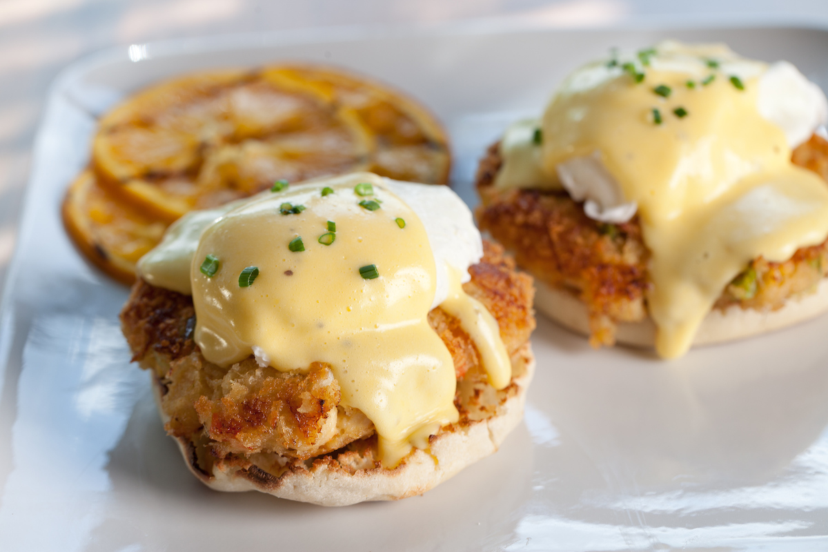 Wildfire Oven-Roasted Crab Cakes Benedict