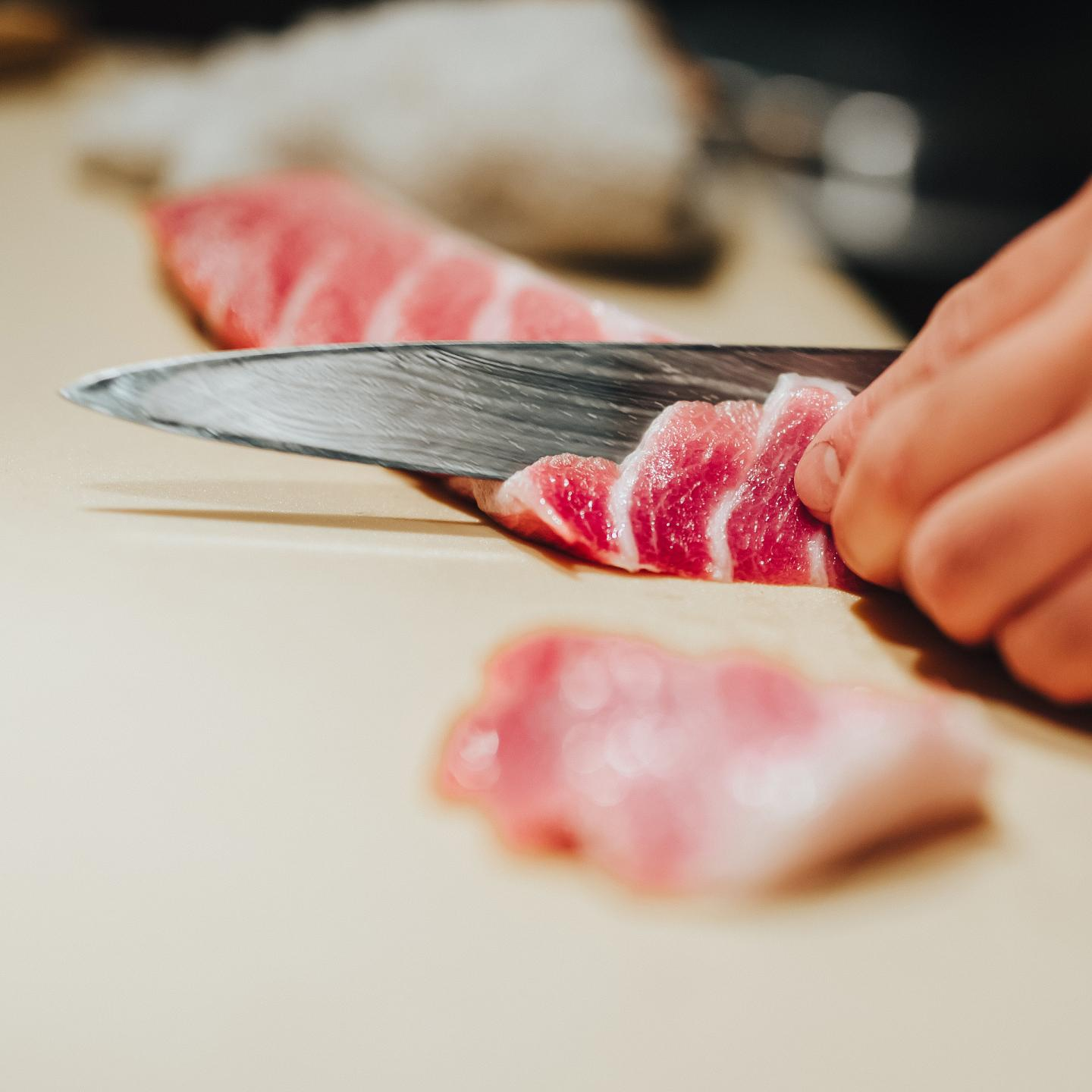 cutting sashimi at sushi-san