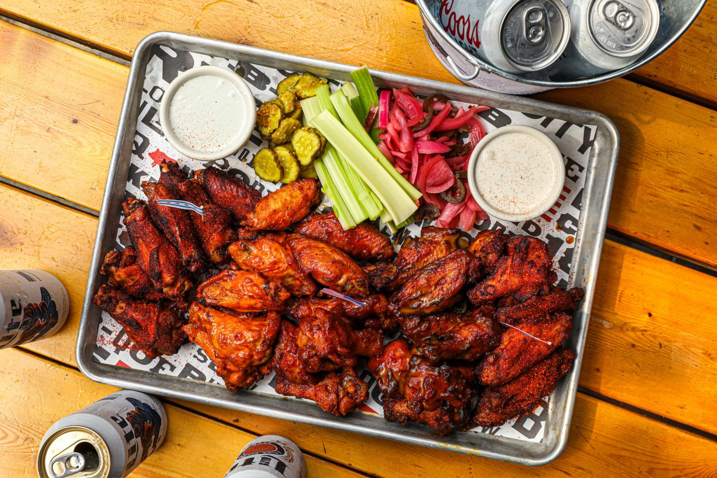 Bub City Wing Tray football carryout