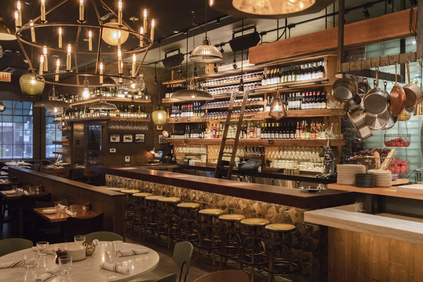 Bar Ramone interior wine bar