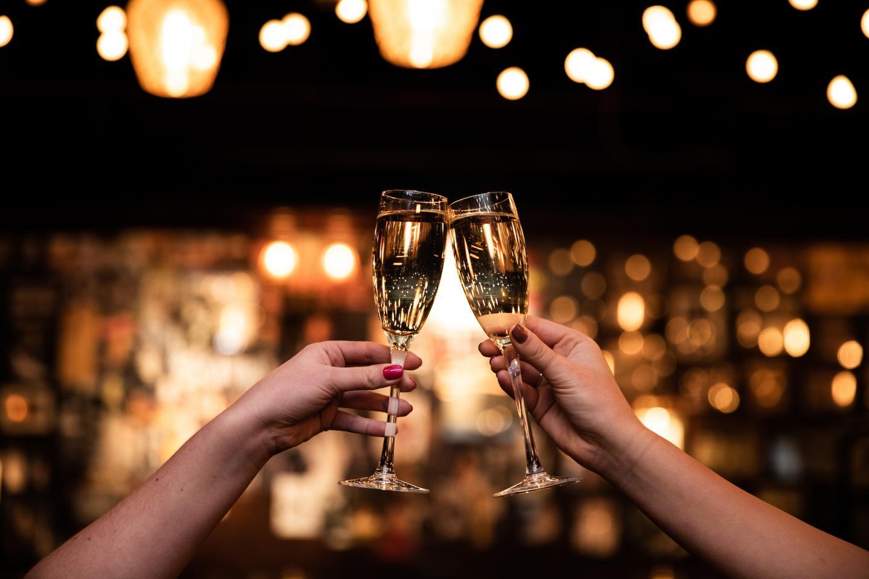 Champagne Toast il Porcellino