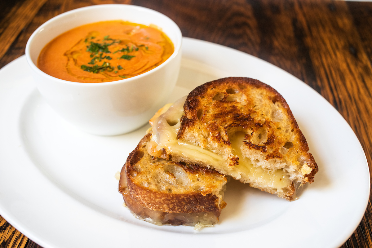 Grilled Cheese and tomato soup from Stella Barra SAnta Monica lunch menu