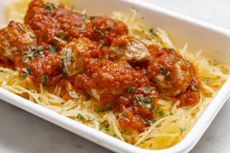 Whole30 spaghetti squash adn meatballs