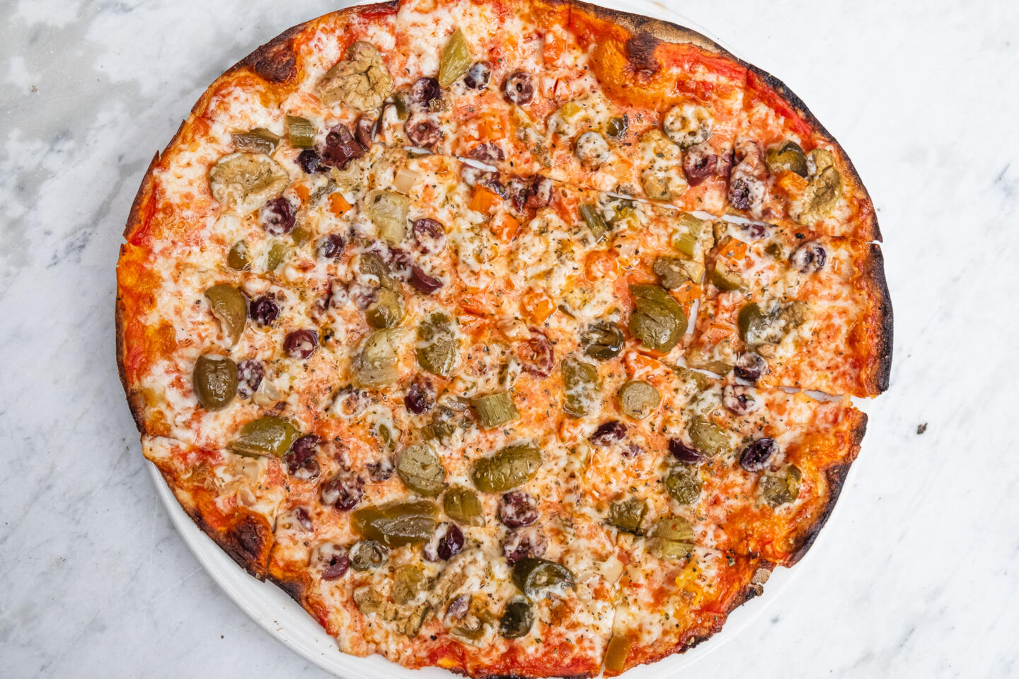 STella Barra Olive pizza