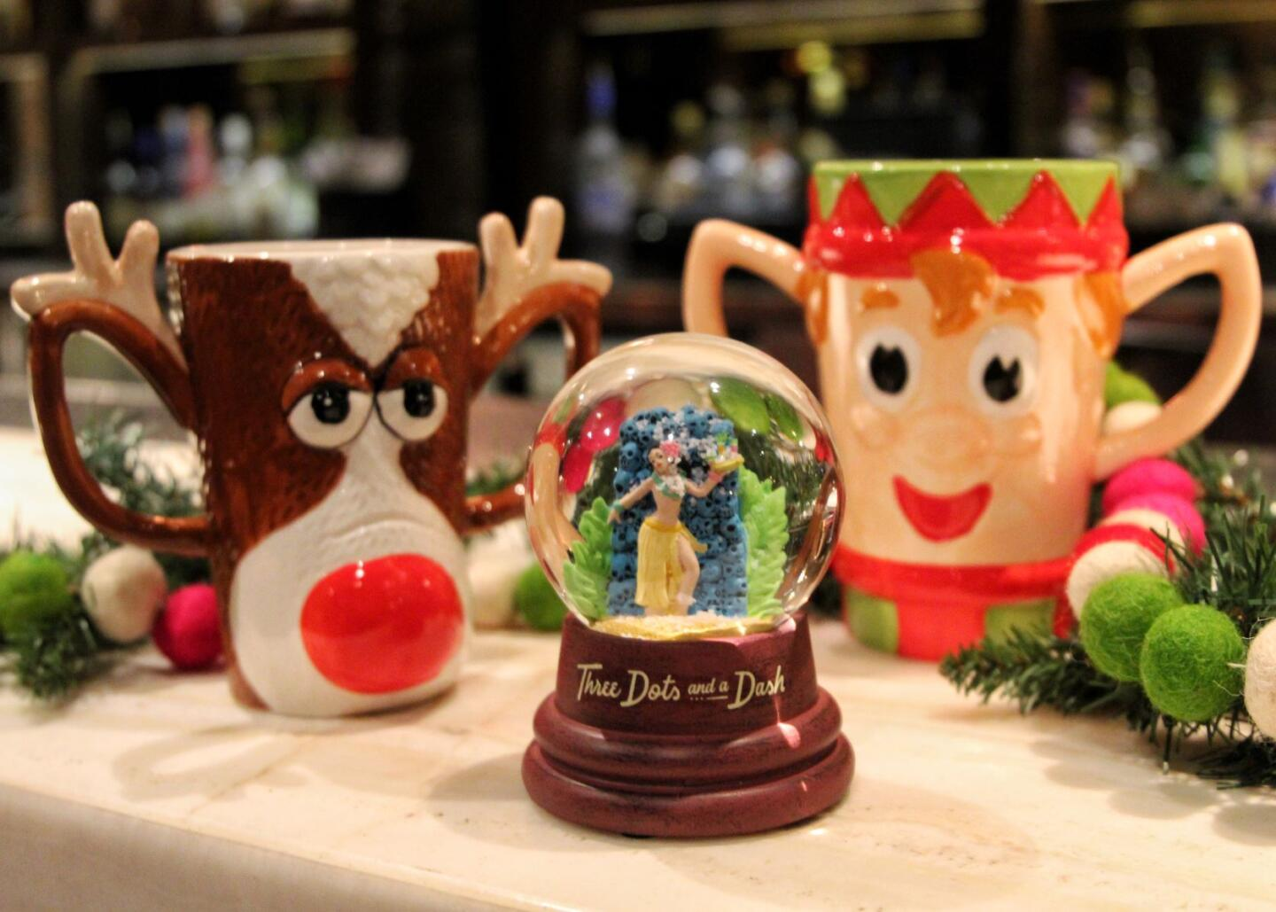 Deck the halls three dots package