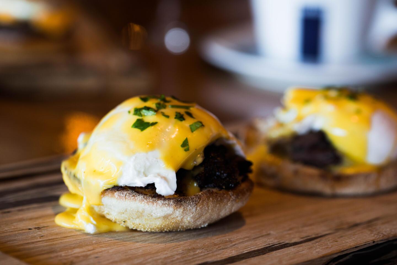 Eggs Benedict Saranellos' brunch