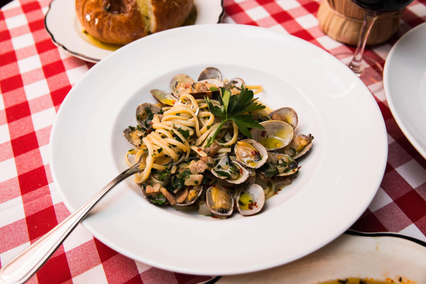 linguini with clam sauce il porcellino